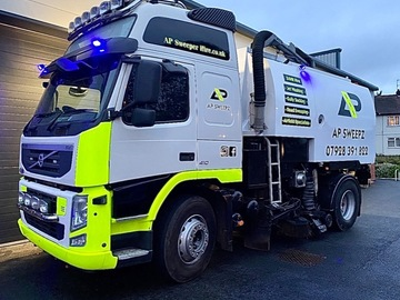 Hourly Operators: Operated Road Sweeper Hire