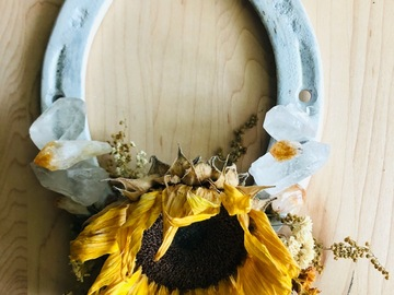 Selling with online payment: Sunflower Crystal Horseshoe
