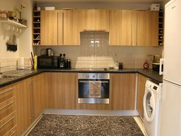 Offering without online payment: M4 Maintenance Services Kitchen Cabinet Painters  at Weston