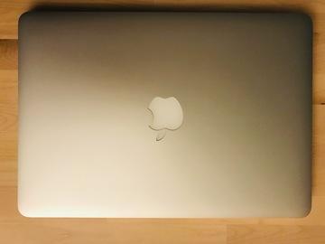 Myydään: MacBook pro 13 2015