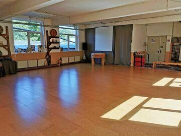 Vermiete Gym pro H: Seminarraum / Yogaraum / Kursraum Bogenzeit Paderborn