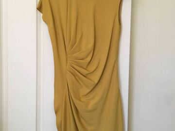 Selling: Yellow dress XS