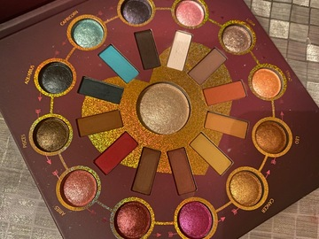 Venta: Paleta zodiac + regalo (trinidad) VENDIDO