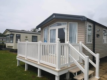 Online Bookings: Luxury 3 Bedroom caravan with decking