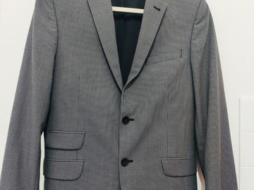 Myydään: Men suit