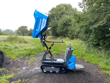 Daily Equipment Rental: Tracked barrow