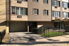 Monthly Rentals (Owner approval required): Chicago (East Lakeview)  secure garage parking space