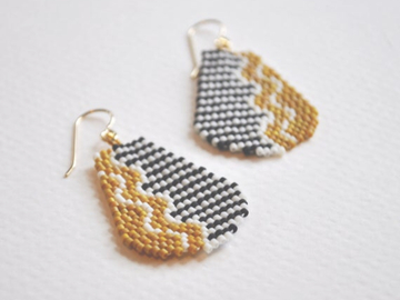 Selling: RicRac - Handwoven seed bead earrings