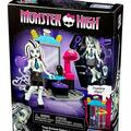 Buy Now: Monster High Teen Scream Salon: Mega Bloks Toy
