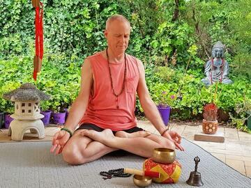Free Call: Private Therapeutic Yoga