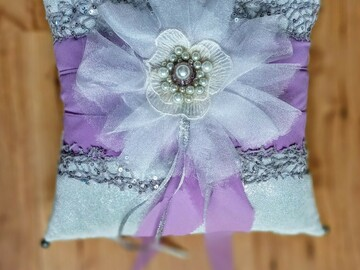 Selling with online payment: Wedding Ring Pillow