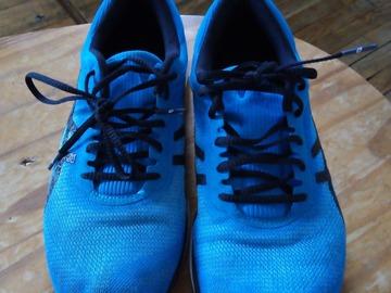 Vente: Chaussures de sport asics