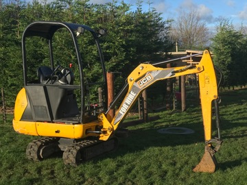 Daily Equipment Rental: 1.5 Tonne Mini Digger