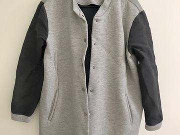 Myydään: COS sporty jacket