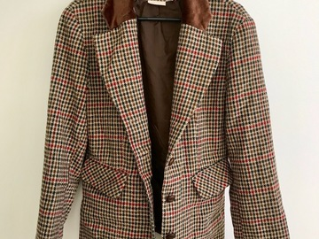 Myydään: Woolen blazer