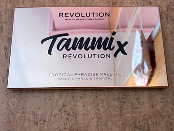 Venta: Tammi x Revolution Tropical Paradise Palette