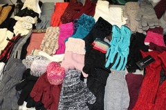 Buy Now: 50 Pairs New High Quality Womens Winter Fashion Gloves