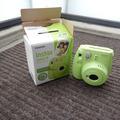 Ilmoitus: Instax mini 9.0 polaroid-kamera