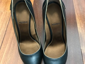 Selling without online payment: Agnona Italian leather heels