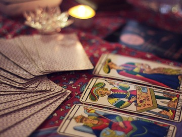 Selling: 5 Card Reading (Romance)