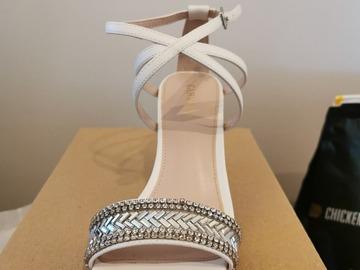 Ilmoitus: Carvela kengät koko 37
