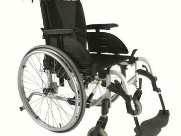 DAILY RENTAL: Light Folding Premium Wheelchair rental | Delivered in Vancouver