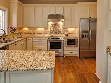 Offering without online payment: Veneziano Fine Painting Kitchen Cabinet Painters in New York