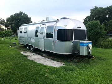 Trailer Sales: Remodeled 1987 29f Sovereign