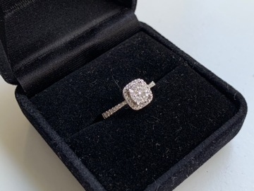 Ilmoitus: Valkokultainen timanttisormus (käyttämätön)