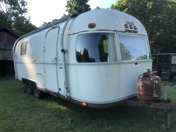 Trailer Sales: 1976  Airstream Argosy 24'