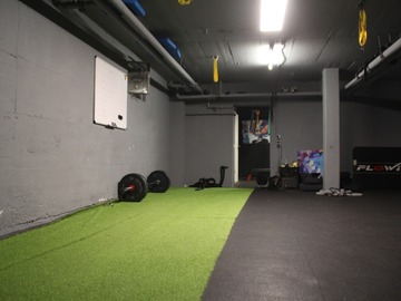Vermietung Gym mit eigener Preiseinheit (Keine Kalender funktion): Privates funktionelles Gym nähe Donnersbergerbrücke