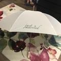 Ilmoitus: Just Married sateenvarjo