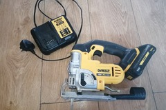 Renting out with online payment: Jig Saw, Wireless. DeWalt.