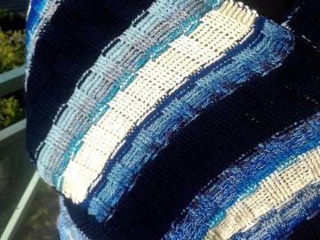 Vente au détail: Écharpe rayée bleu marine