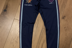 Selling with online payment: Akuma leggings - L