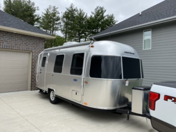 Trailer Sales: 2019 Airstream Bambi Sport 22FB