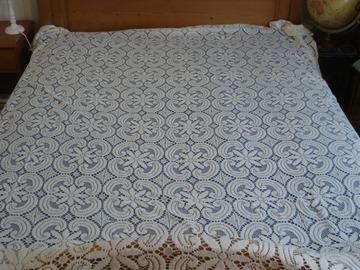 Vente: Dessus de lit en dentelle