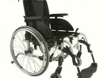 DAILY RENTAL: Light Folding Premium Wheelchair rental | Delivered in Pickering