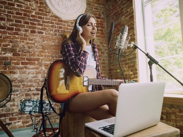 Online Payment - 1 on 1: Voice Lessons with professional Singer!