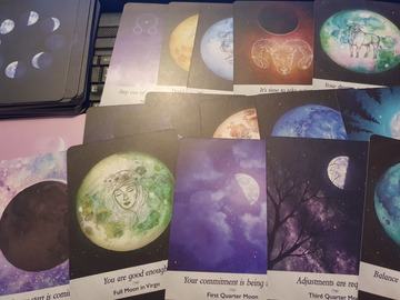 Selling: Moonology reading