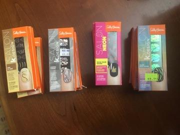 Compra Ahora: 60 Sally Hansen Stickers & Salon Neon Textual Finger Nail Art box