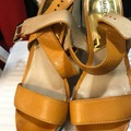 Selling : A pair of Heel shoes