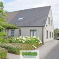 .: Hedendaagse halfopen bebouwing in houtskeletbouw | door Ecohuis