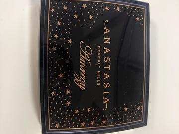 Venta: Iluminador Amrezy Anastasia Beverly Hills