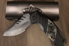 Buy Now: Master Cutlery Tactical Knife with pocket clip