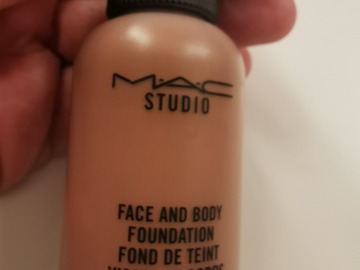 Venta: Face and Body MAC