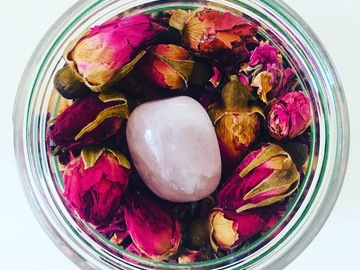 For Sale: Divine Goddess Soak - Self Love Bath Soak with Rose Quartz Crysta