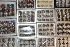 Liquidation/Wholesale Lot: 600 Fashion Rings in Display Boxes  (Only .16 each)