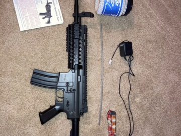 Selling: M4 Replica Fully Auto Airsoft Rifle w/ BBs