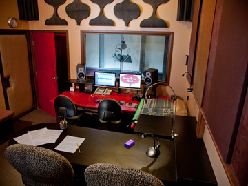 Rent Podcast Studio: Voice Trax West